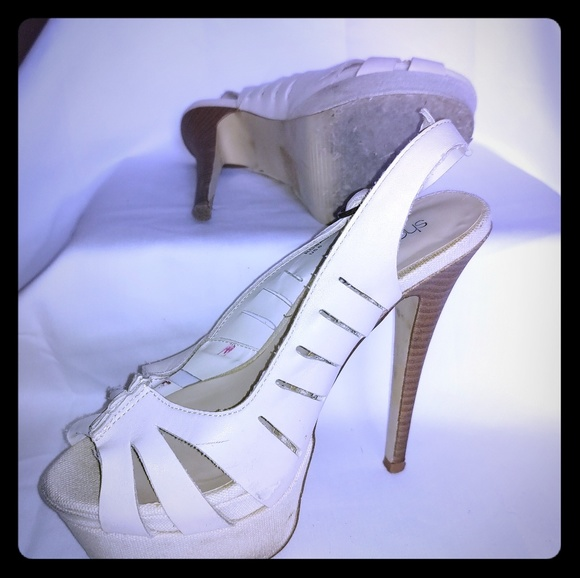 Shoe Dazzle Shoes - Ivory cloth platform dress shoes